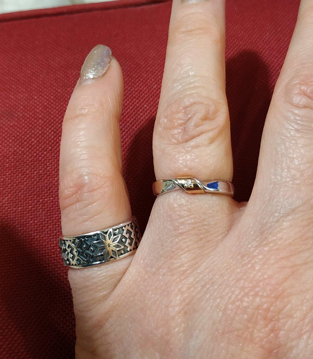 Золото с бриллиантом в серебре.