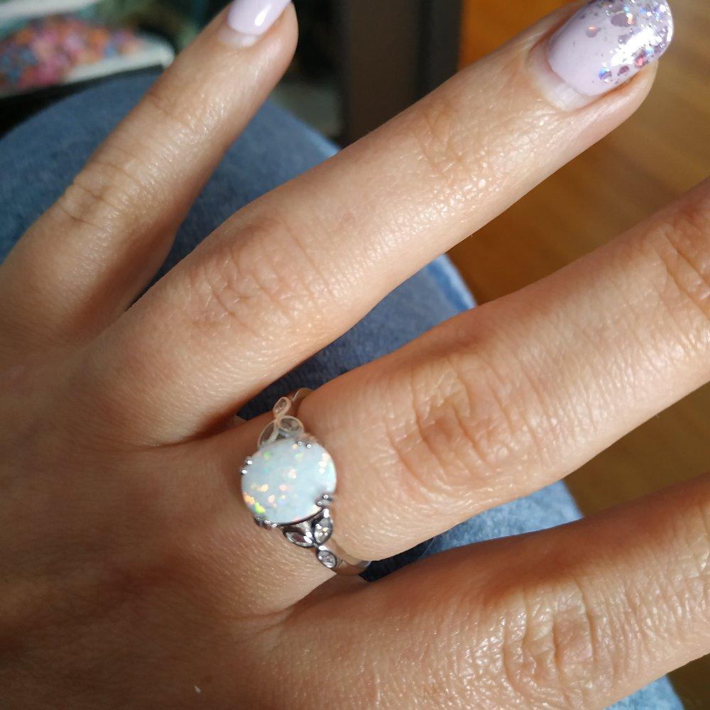 Кольцо с натуральным опалом