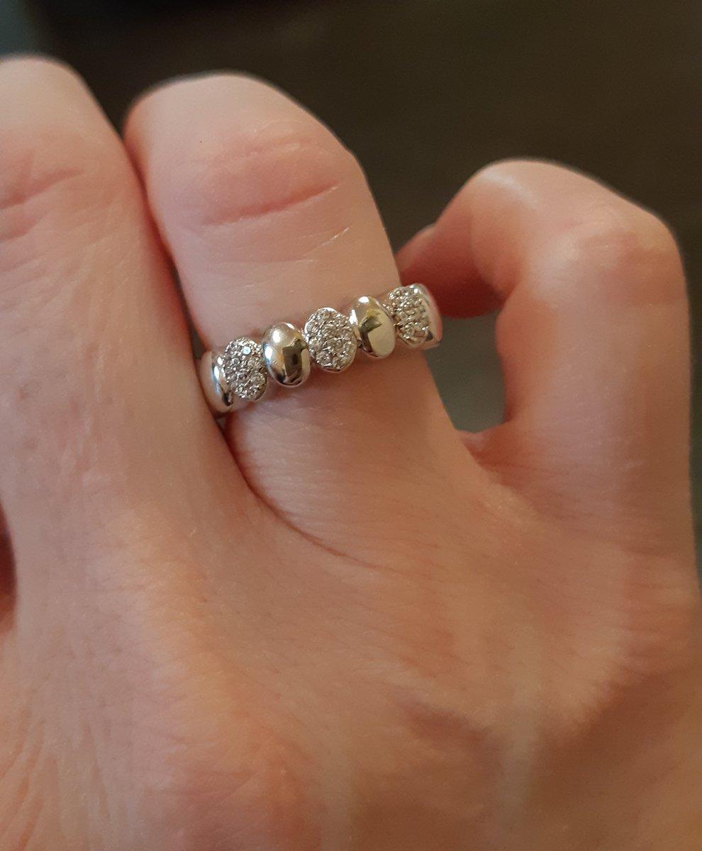 Отличное кольцо!!! очень мило смотрится!!!