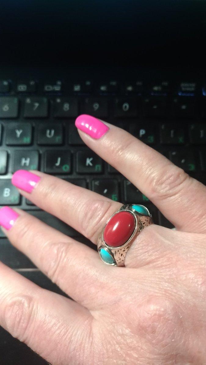 Кольцо с кораллом и бирюзовой.