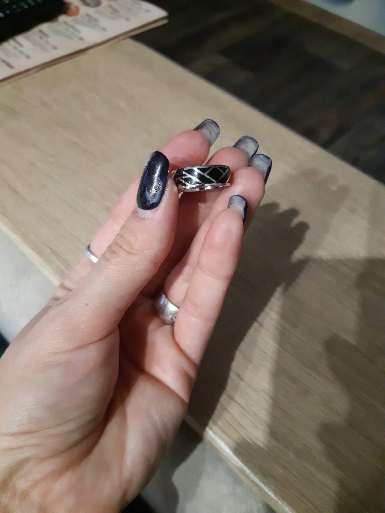 Кольцо серебряное с чёрной эмалью!