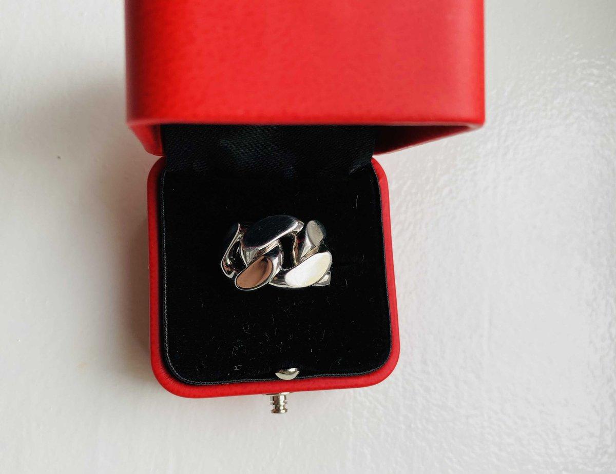 Необычно красивое кольцо
