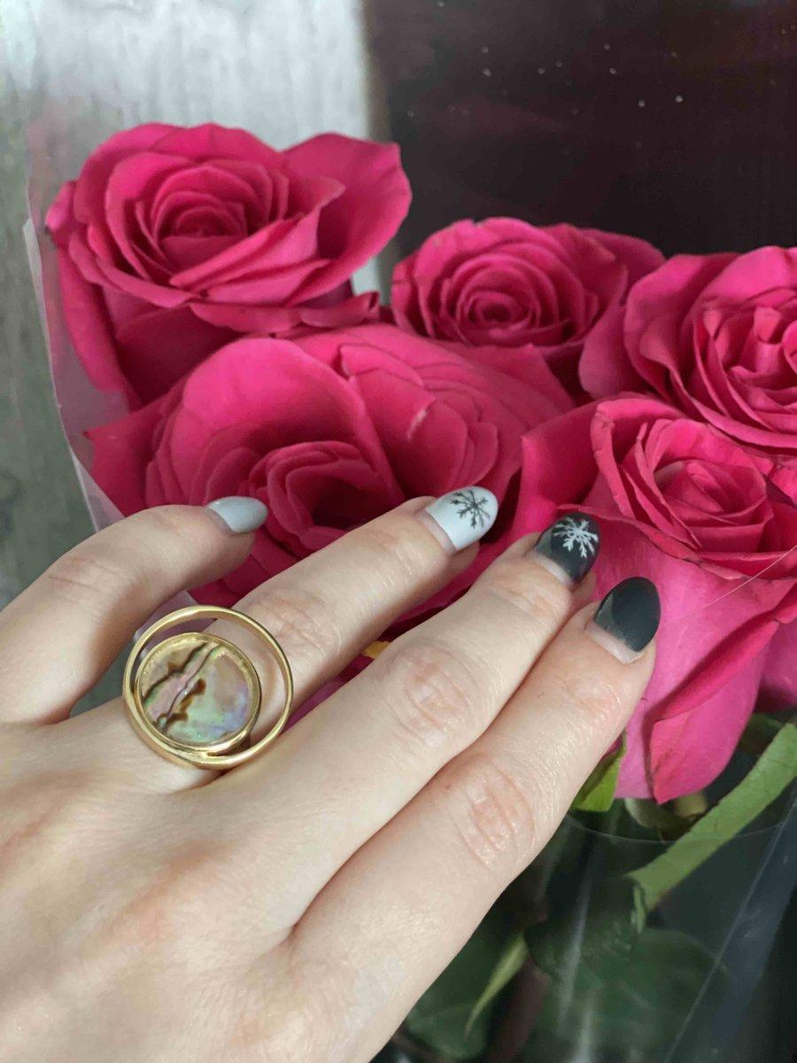 Красивые серьги и кольцо