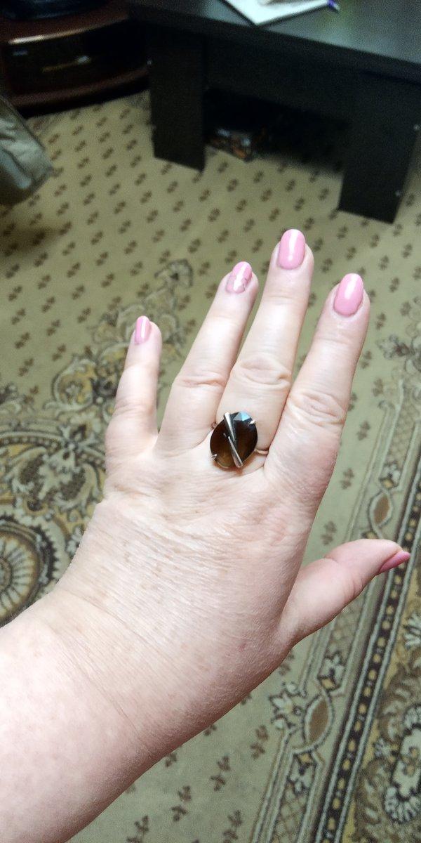 Красивое кольцо, отлично смотрится