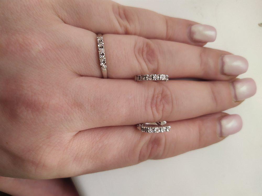 Серебряные серги и кольцо с бриллиантом