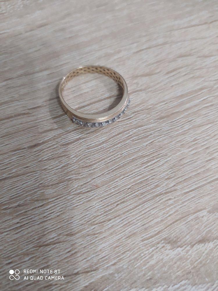 Хорошее кольцо. красивое. очень необычное. покупалось на новый год.