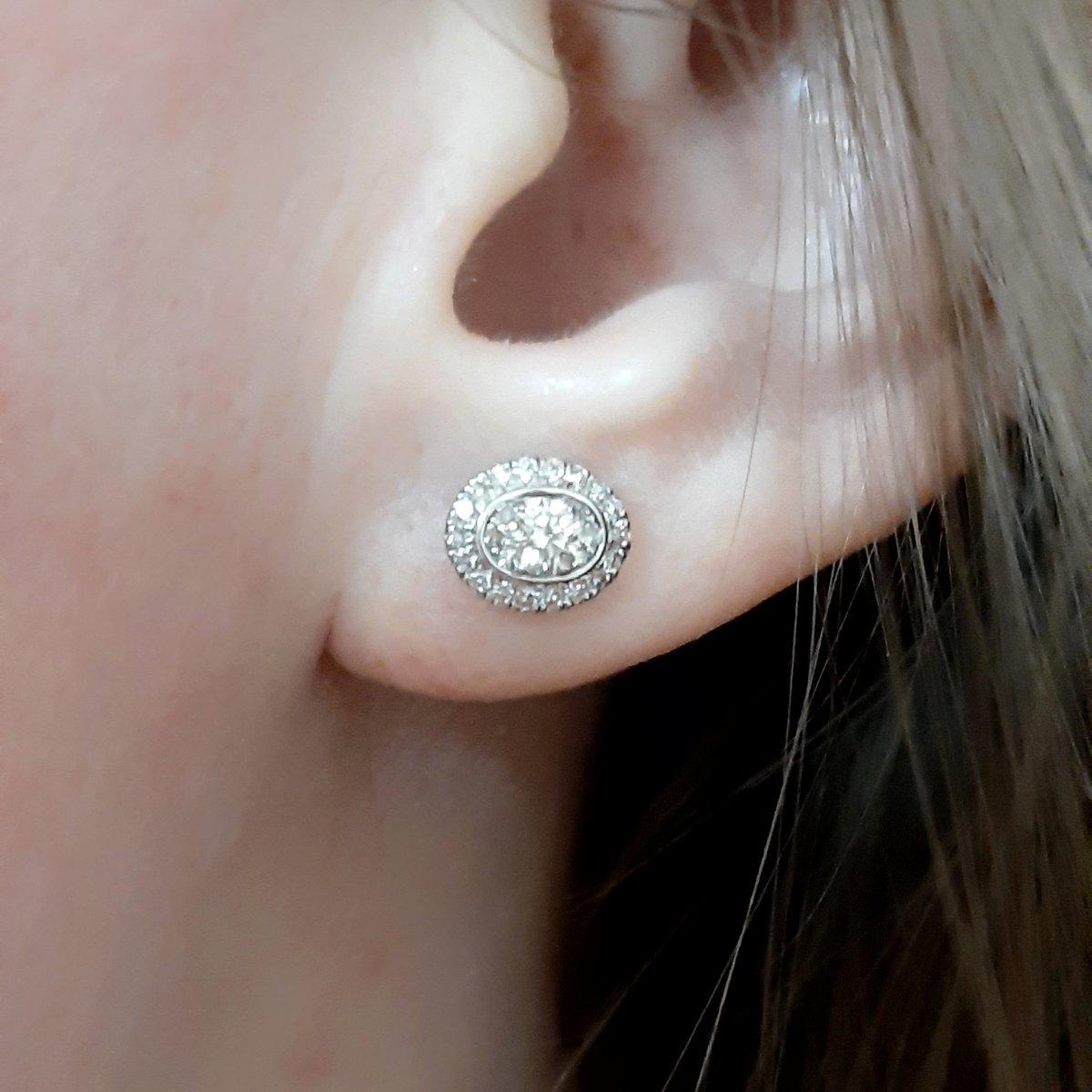 Достойные серьги с бриллиантами