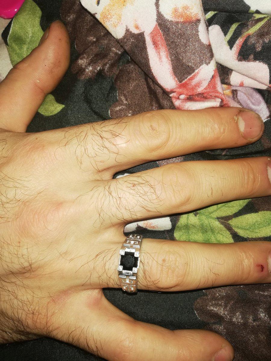 Классное кольцо. смотрится здорово!!!