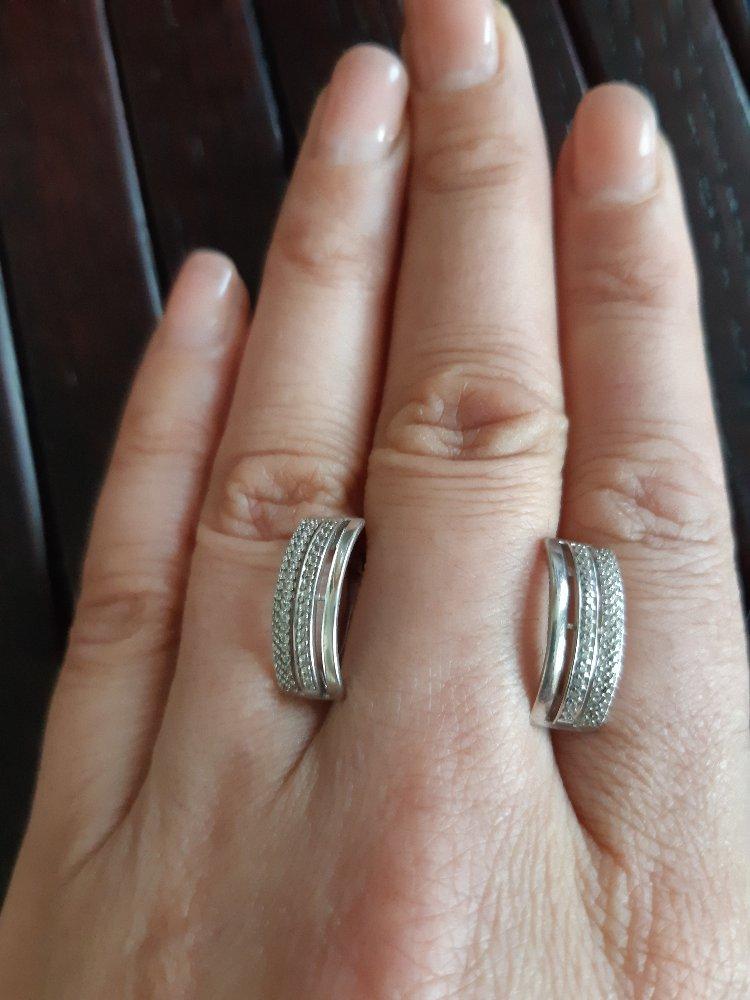 Серебряные серёжки просто класс.