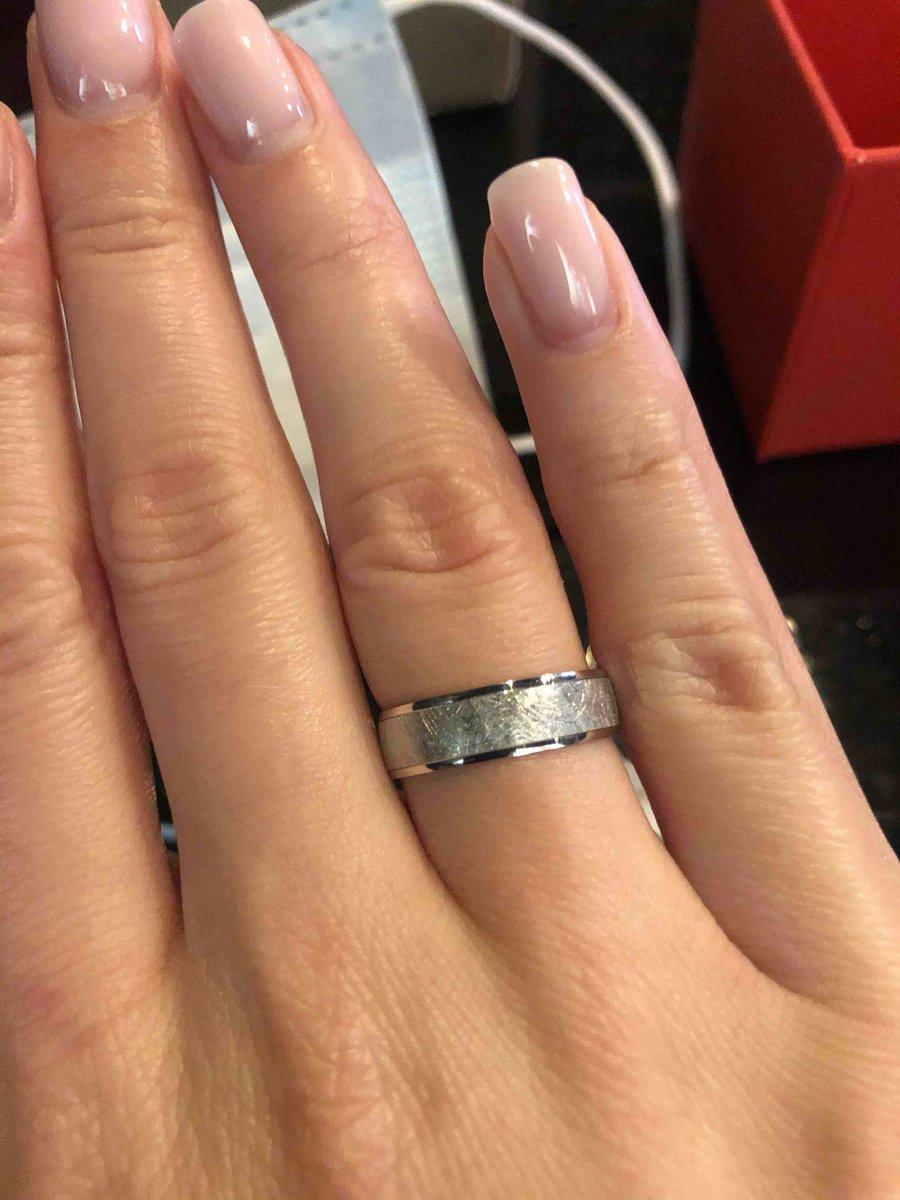 Долгожданное обручальное кольцо
