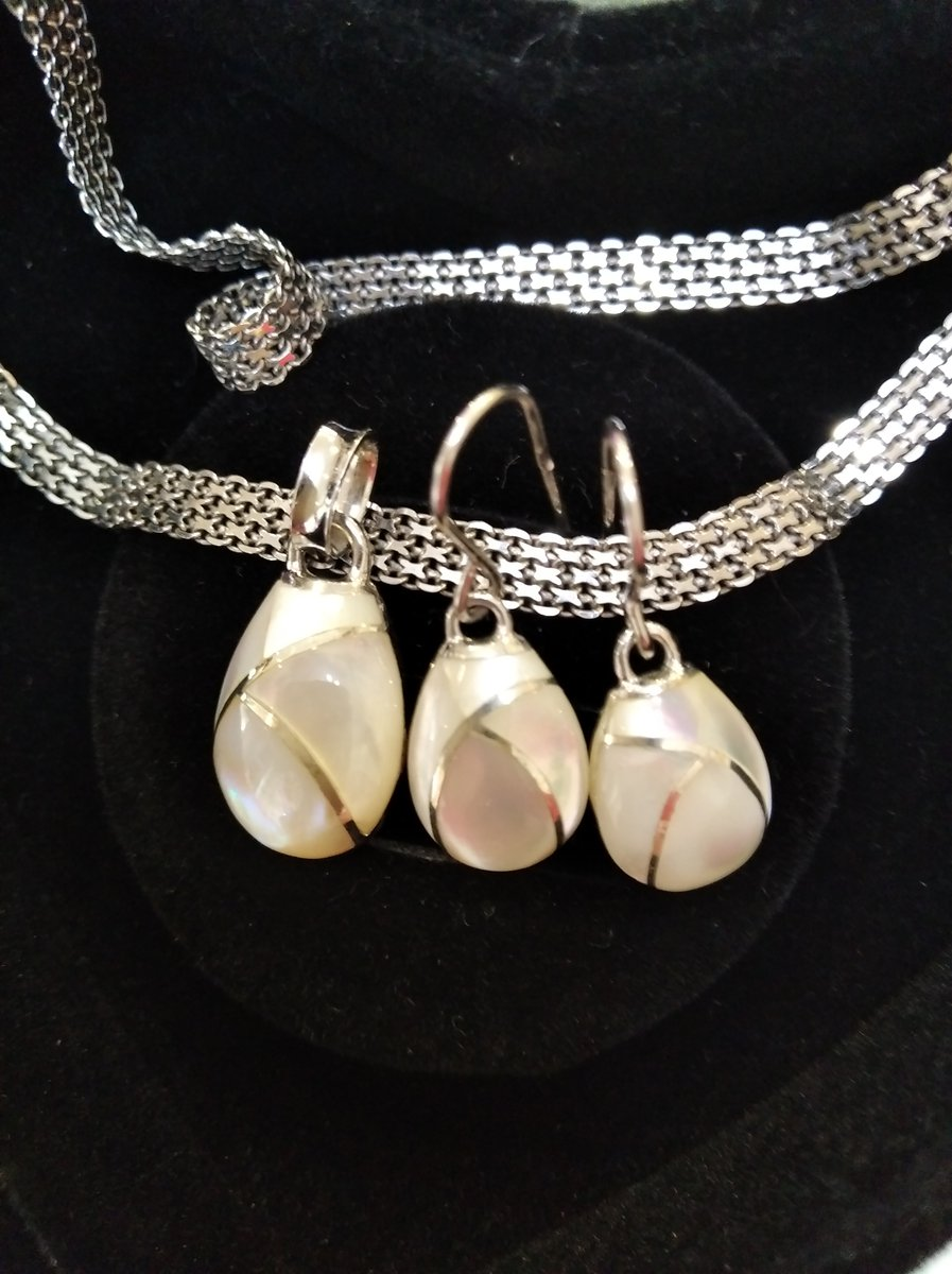 Серебряные серьги с перломутром