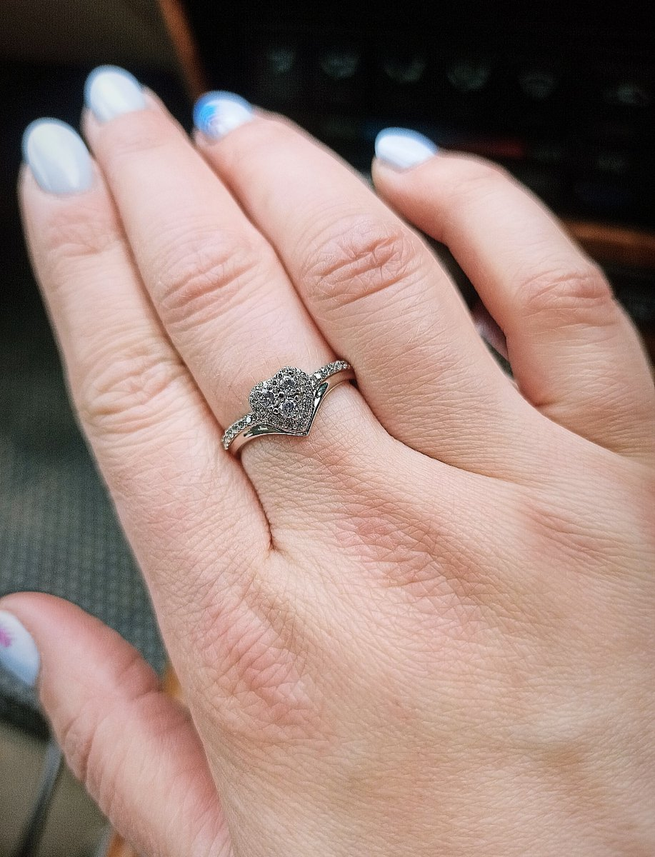 Серебряное кольцо с фианитом 💍