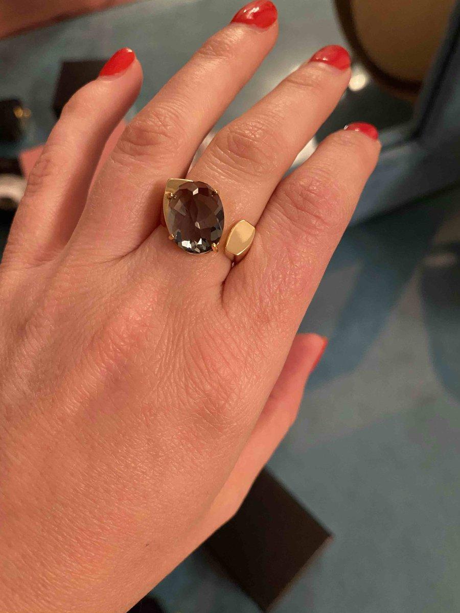 Очень красивое кольцо под золото