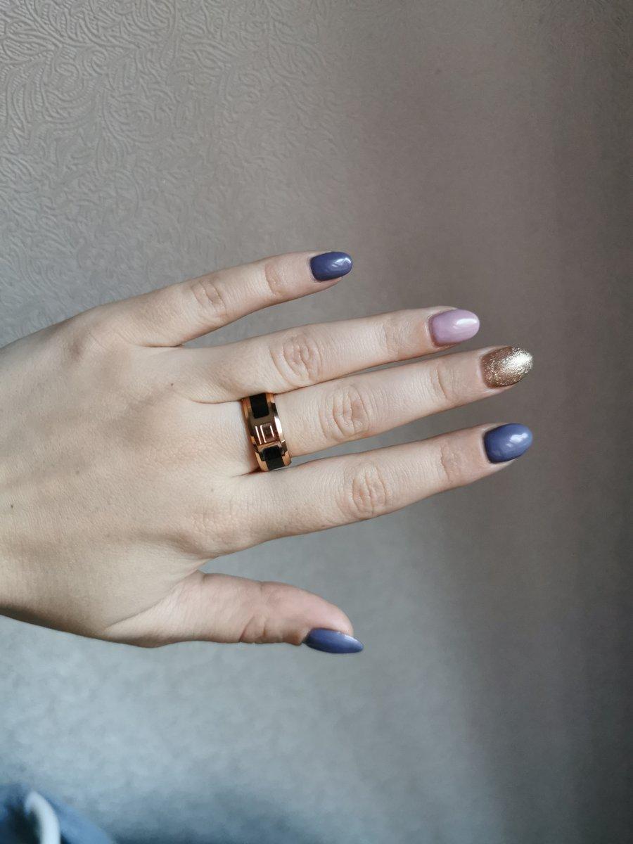 Кольцо из стали с карбоном.