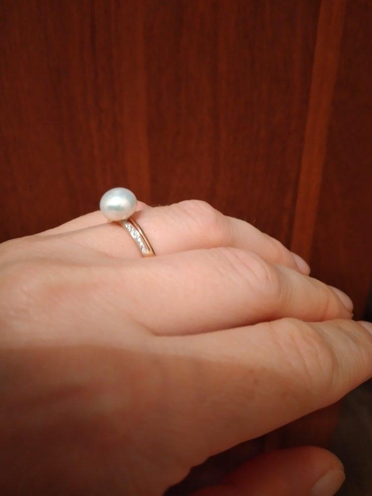 Золотое кольцо с жемчугом, бриллиантами