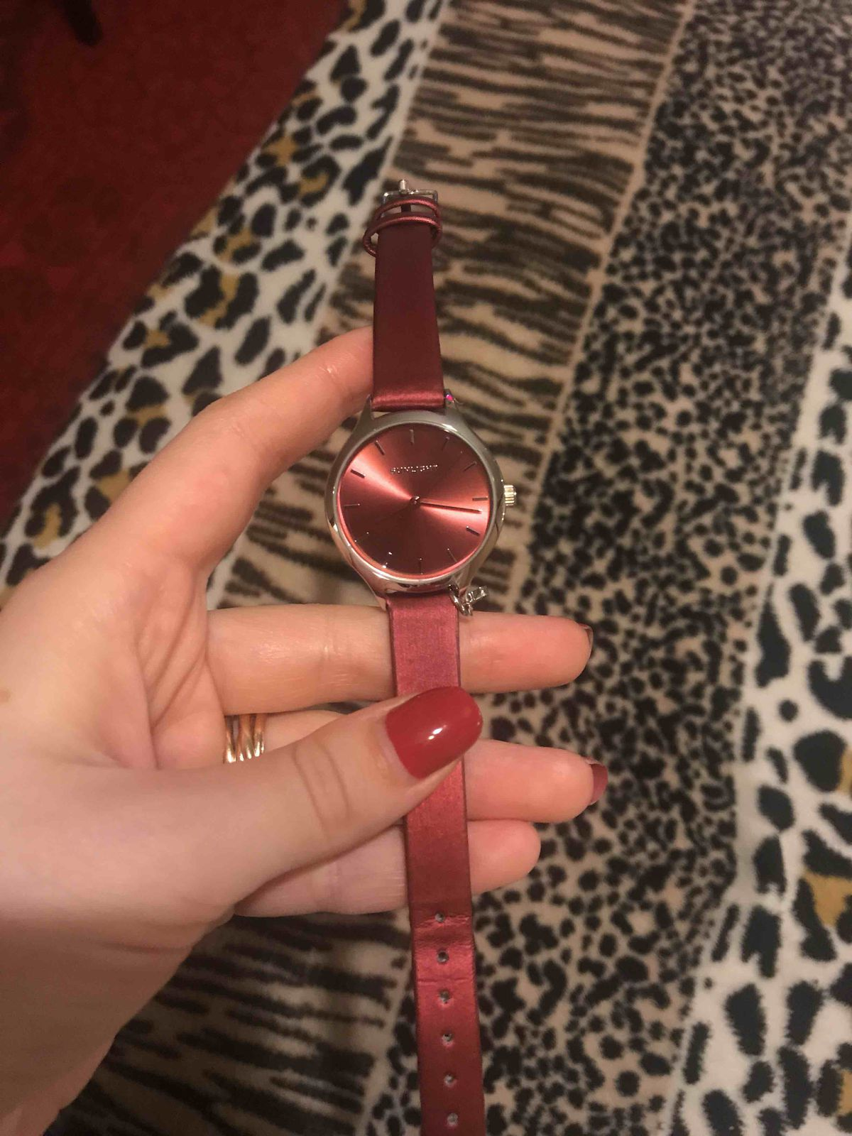 Прекрасные часы по отличной цене