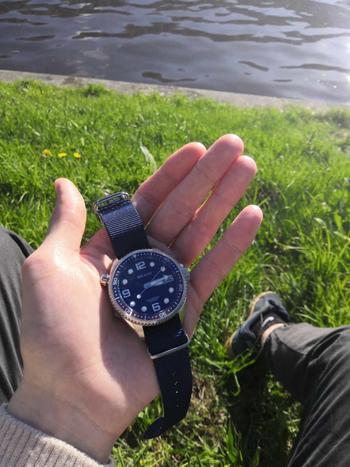 Отличные универсальные часы.