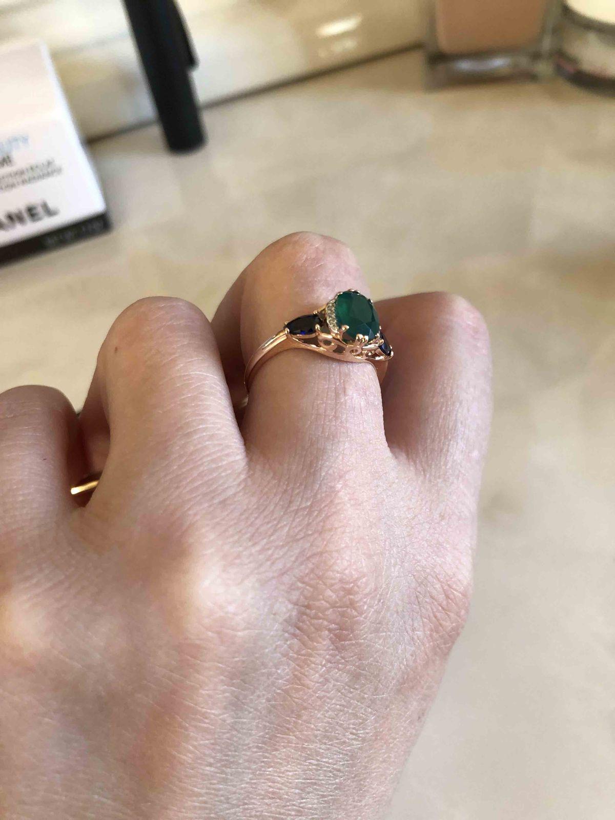 Кольцо с хризопразом.