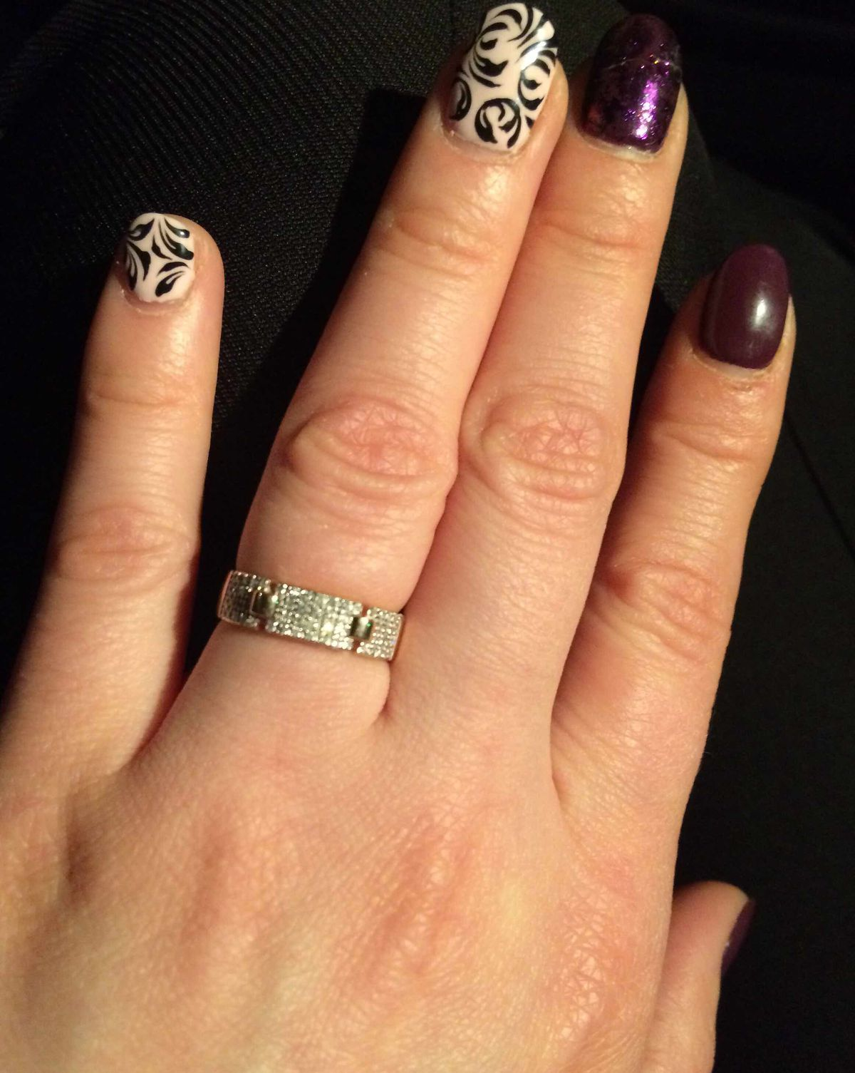 Изящное кольцо, очень хороший подарок!