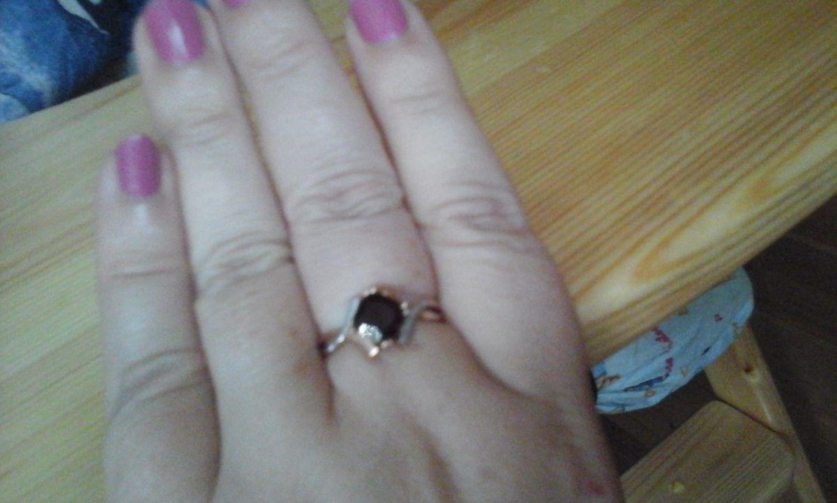 Перстень с гранатом и 20 бриллиантами!