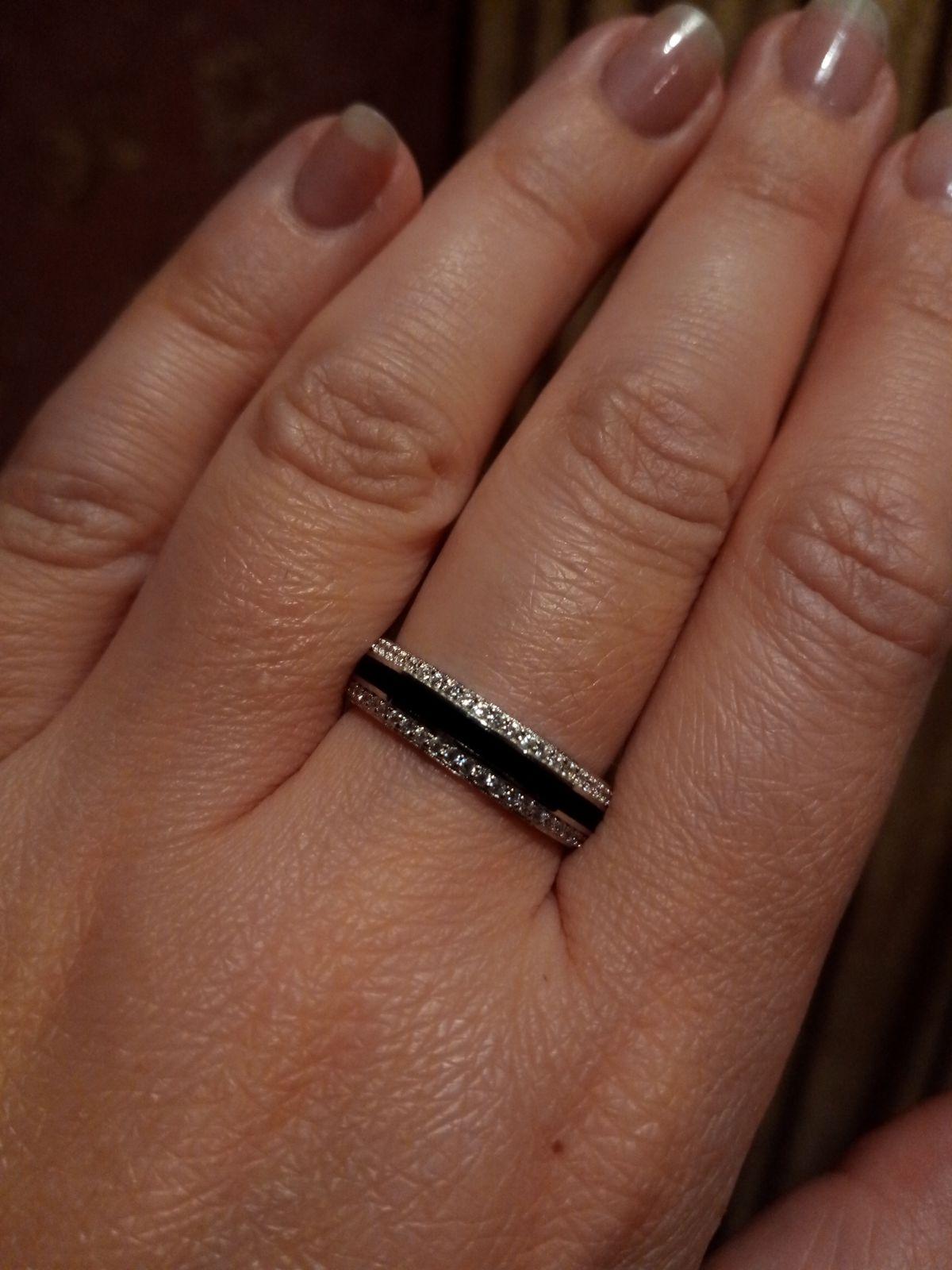 Очень стильное, серебряное кольцо