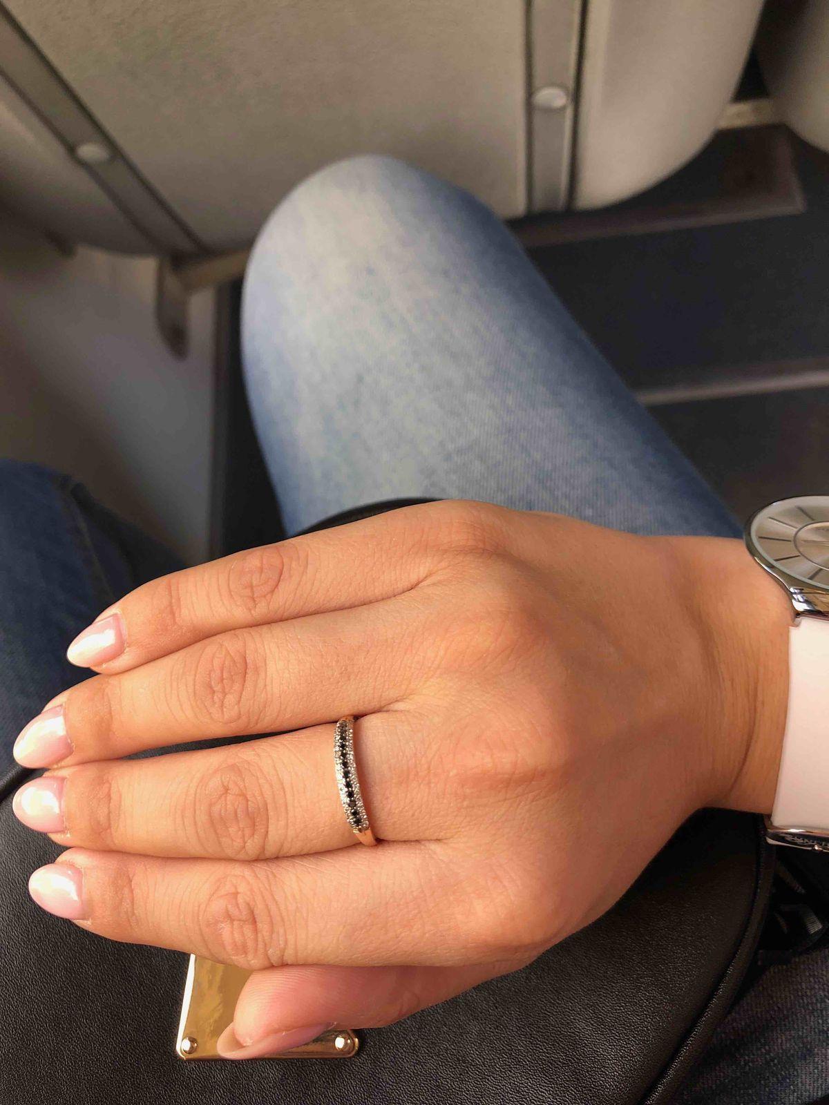 Покупал кольцо в подарок на день рождение