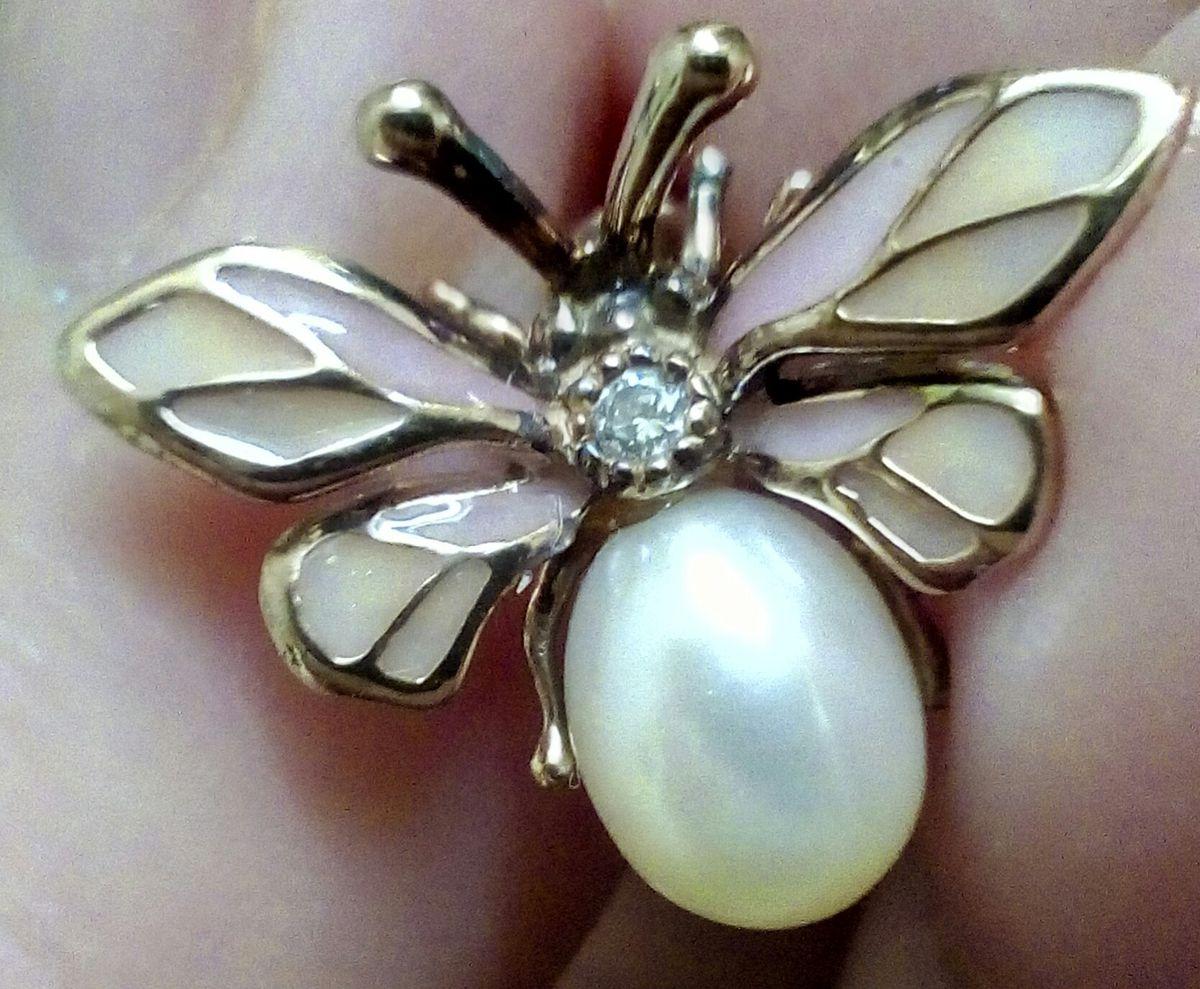 Позолоченные пчелки с жемчугом