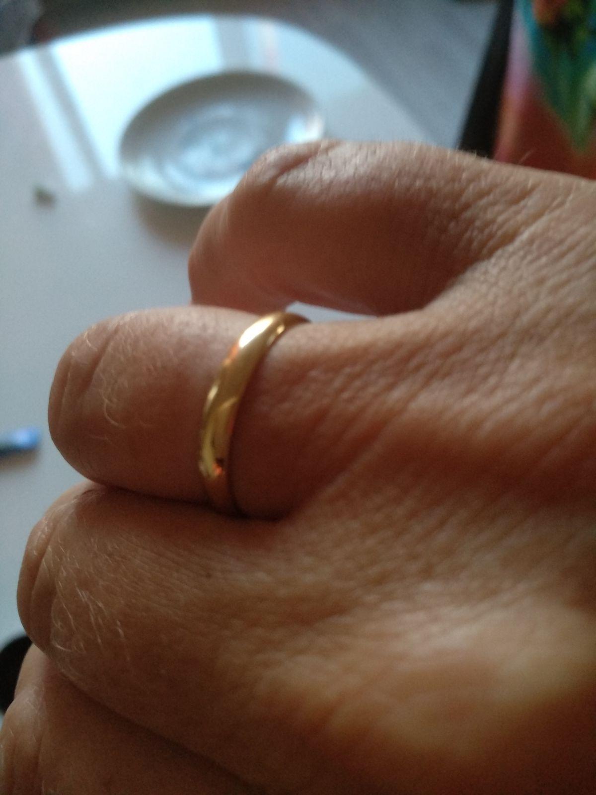 Купили кольца , классика,смотрятся супер.