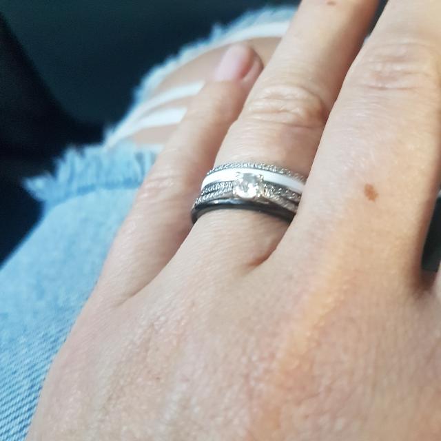 Кольцо белое