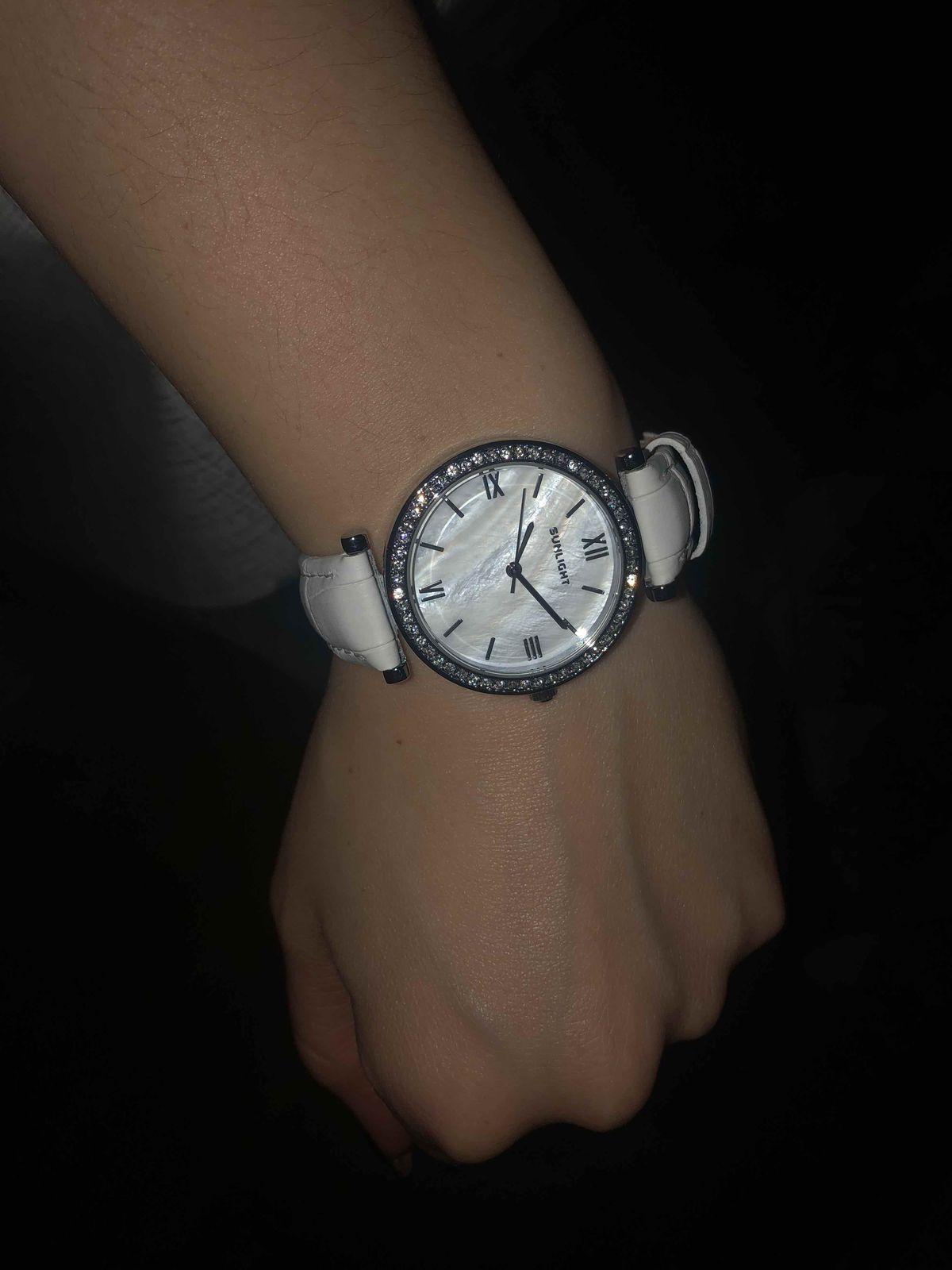 Классические аккуратные часы