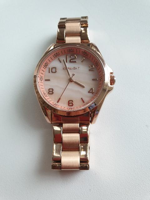 Женские часы...
