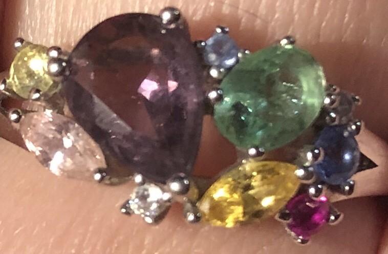 Цветные камушки