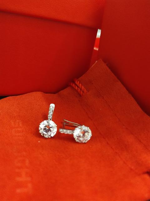 Серебряные серьги с кристаллами  svarovski.