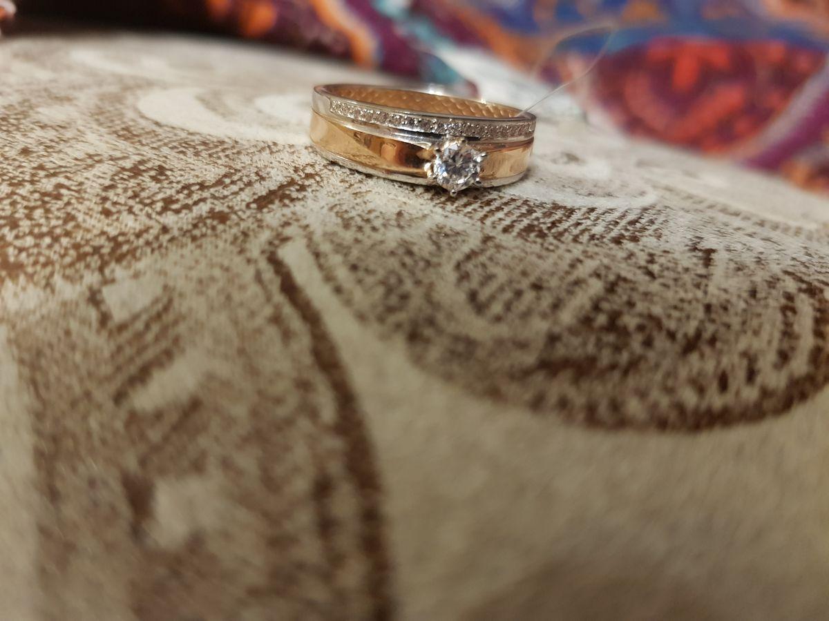 Замечательное кольцо, увидела и влюбилась. Ношу с удовольствием!