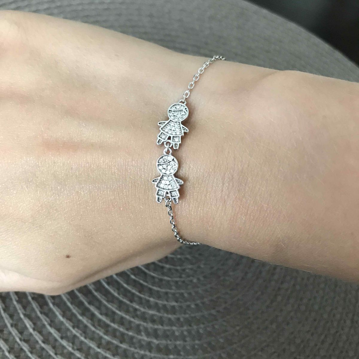 Милый и нежный браслет