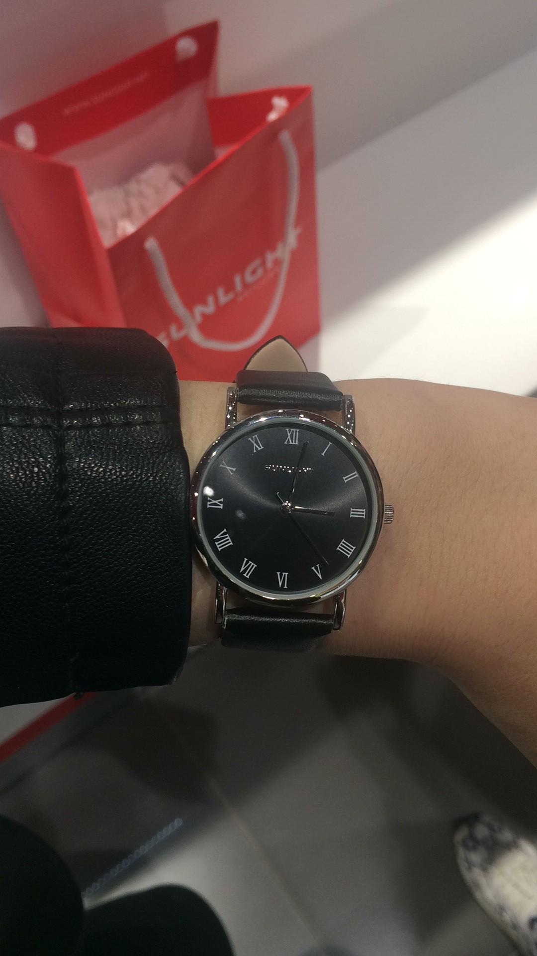 Часы черные