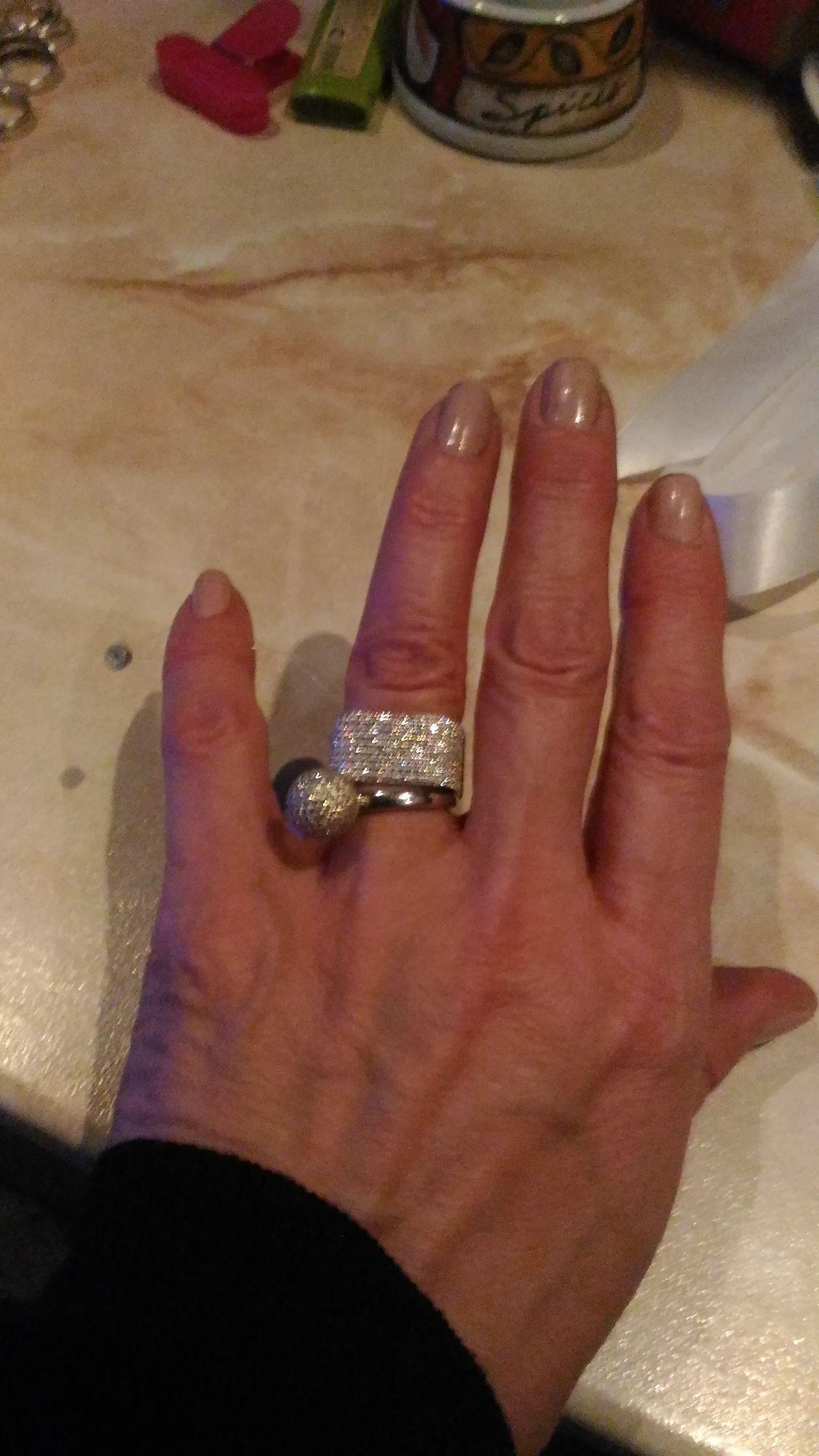 Очень красивое кольцо, очень!