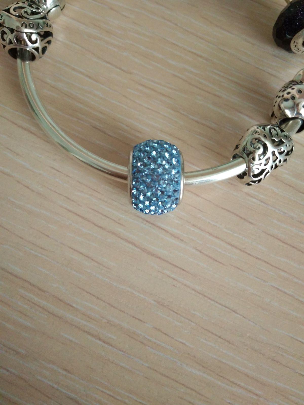Голубой шармик