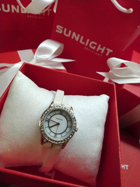 Часы с переплетённым браслетом