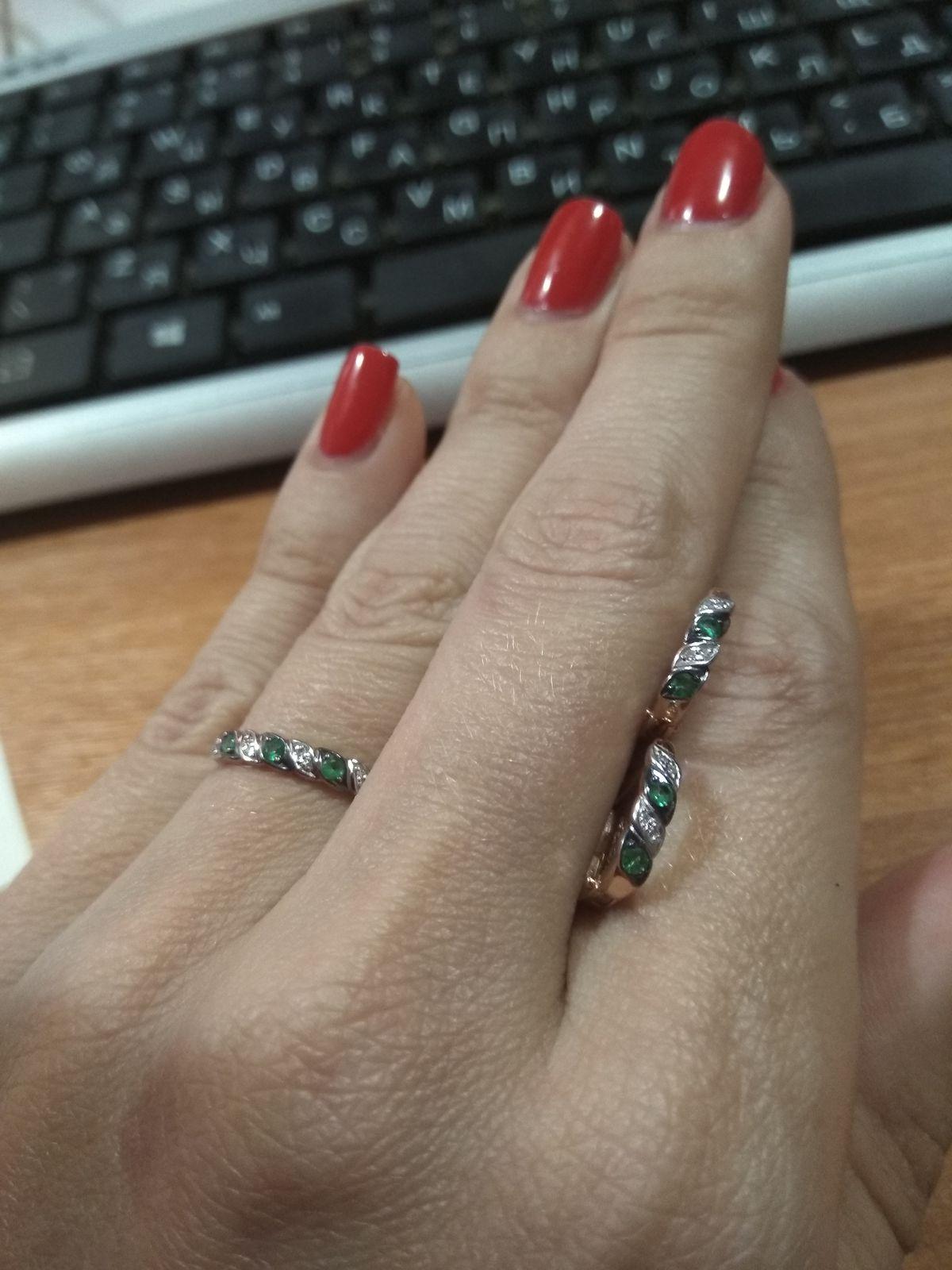 Серьги в дополнение к кольцу