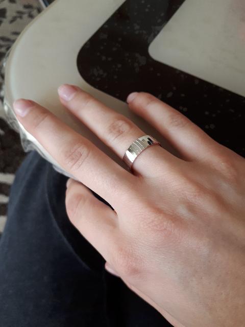 Оригинальное обручальное кольцо