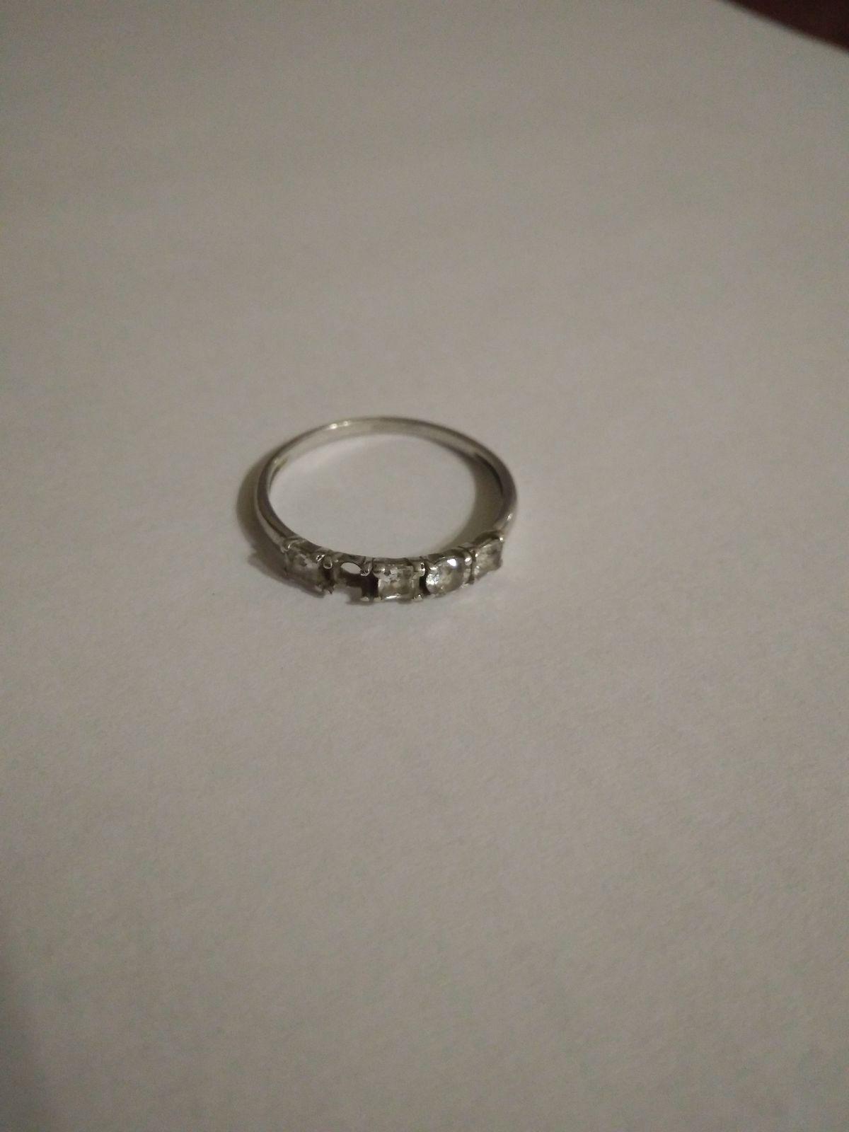 Кольцо красивое,но