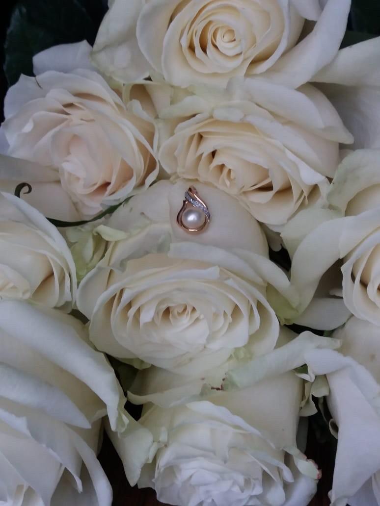Очень нежное украшение на жемчужную свадьбу