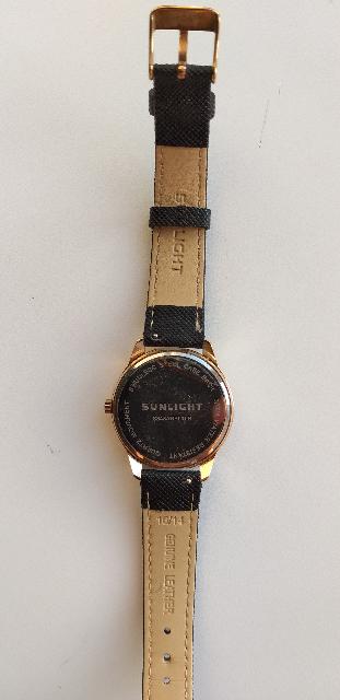 Купила часы около месяца назад