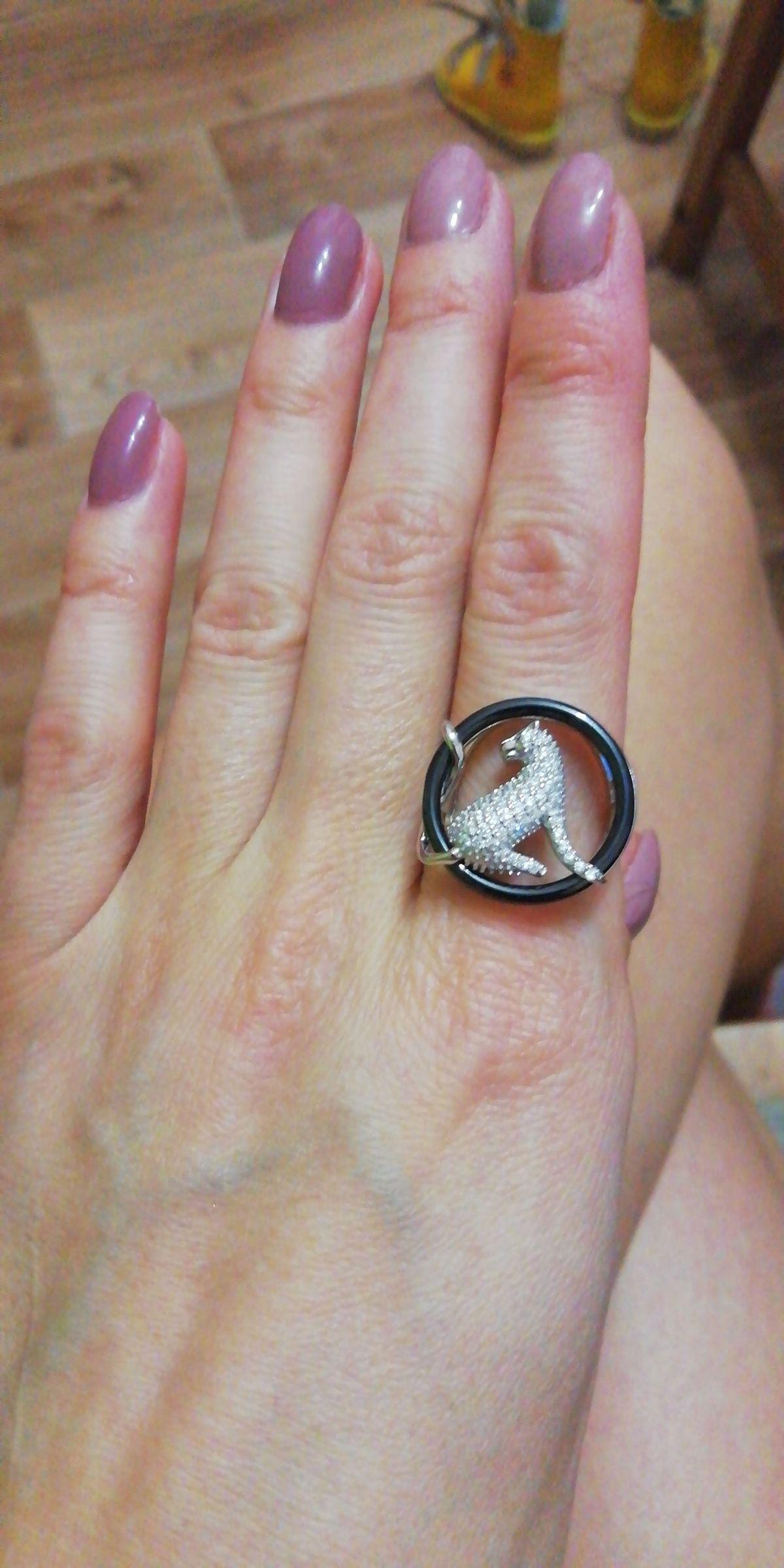 Необыкновенной красоты кольцо