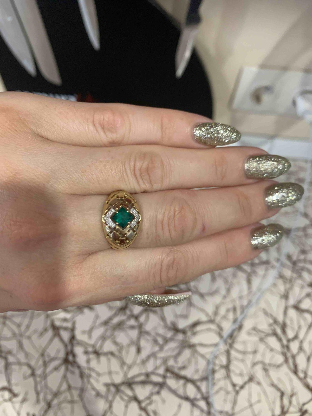Необычное кольцо,очень оригинальное