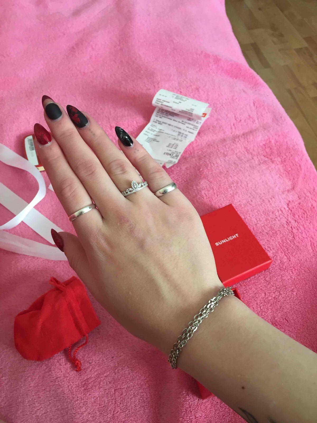 Чудесное кольцо в виде короны из серебра украшенное фианитами