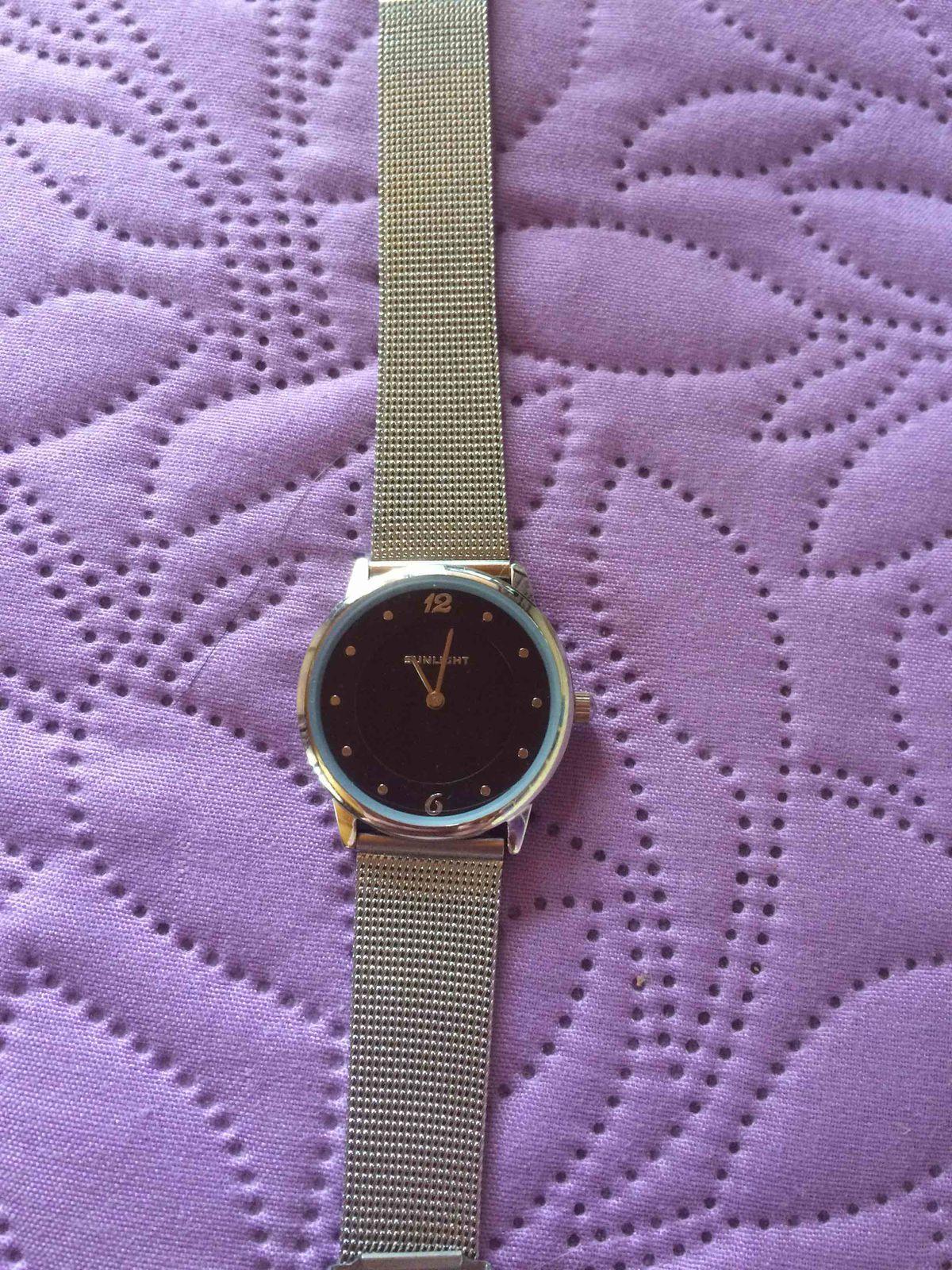 Часики супер.и цена приятная.я влюбилась в эти часы.ношу почти каждый день