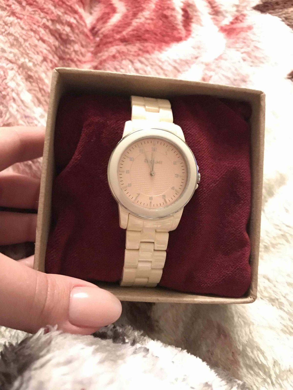 Часы купленые в подарок