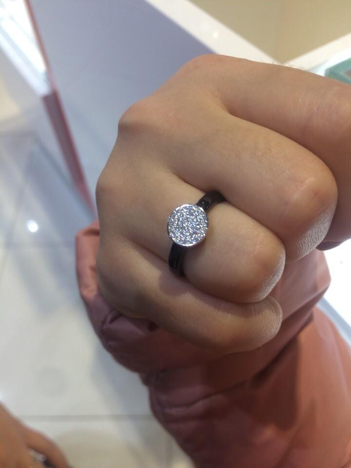 Сегодня приобрела в подарок это прелестное кольцо!